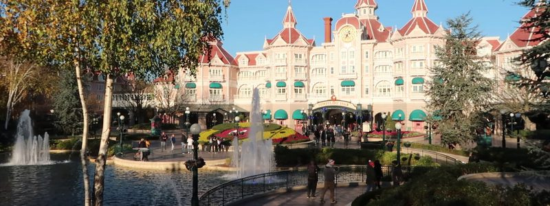 disneyland hotel Paris front