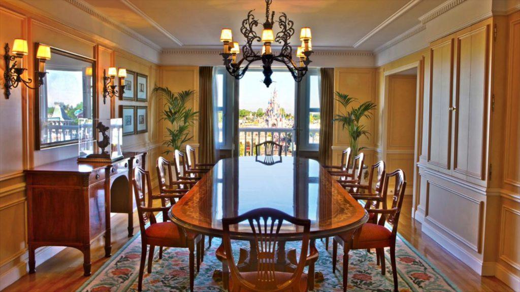 presidential suite or sleeping beauty suite Disneyland Hotel Paris