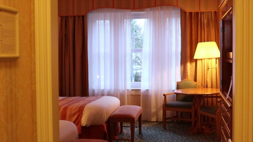 regular Disneyland Hotel room Paris