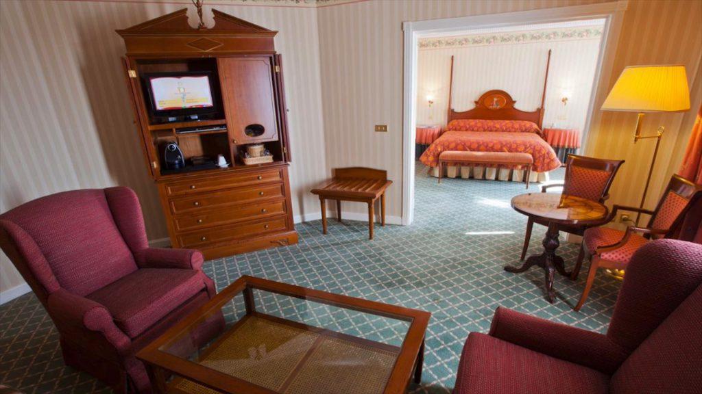 tinkerbell suite Disneyland Hotel Paris