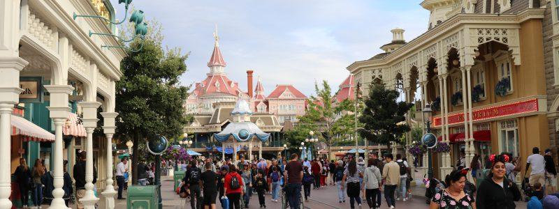 Low crowds on Main Street USA
