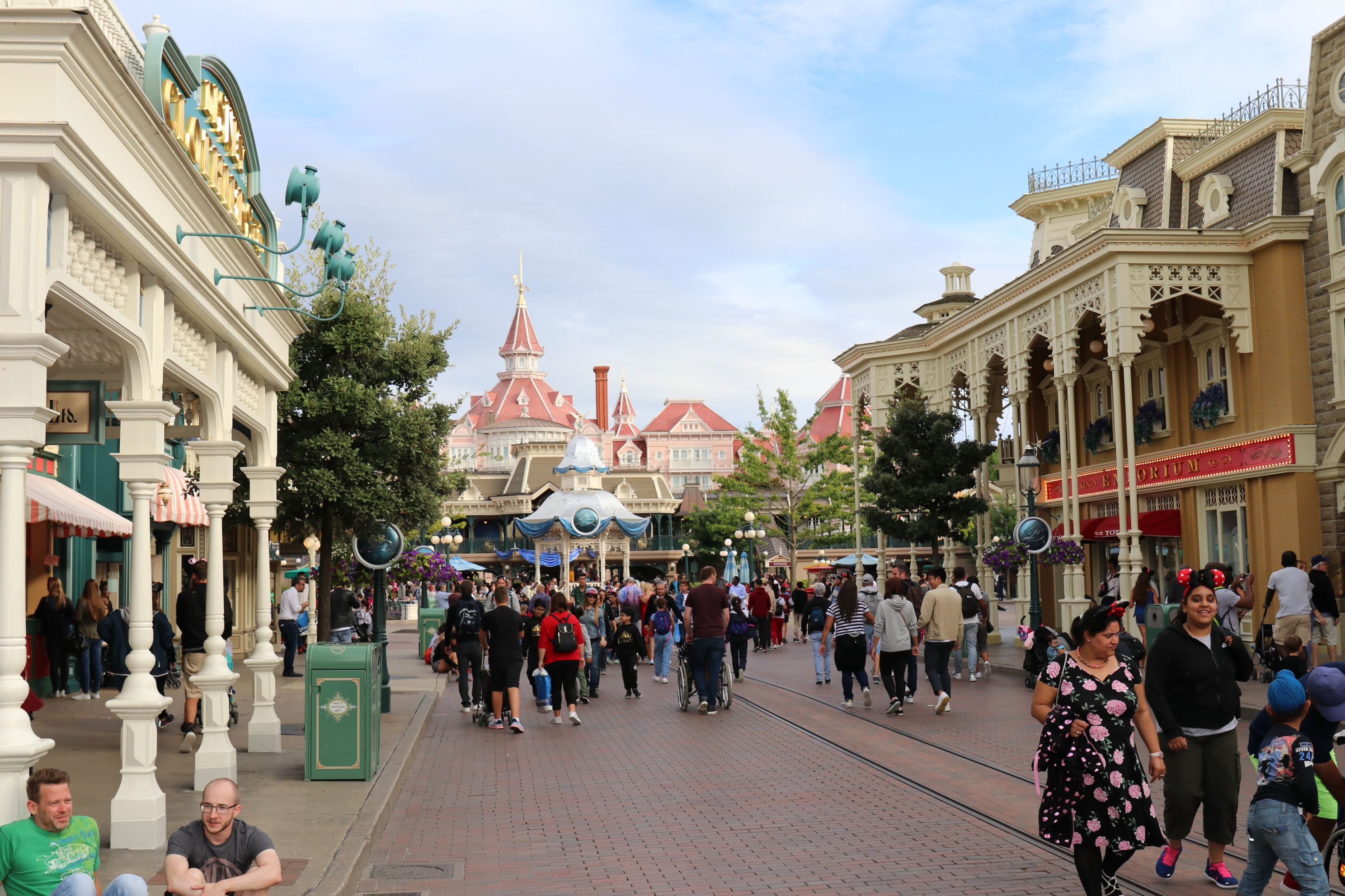 Low crowds on Main Street USA